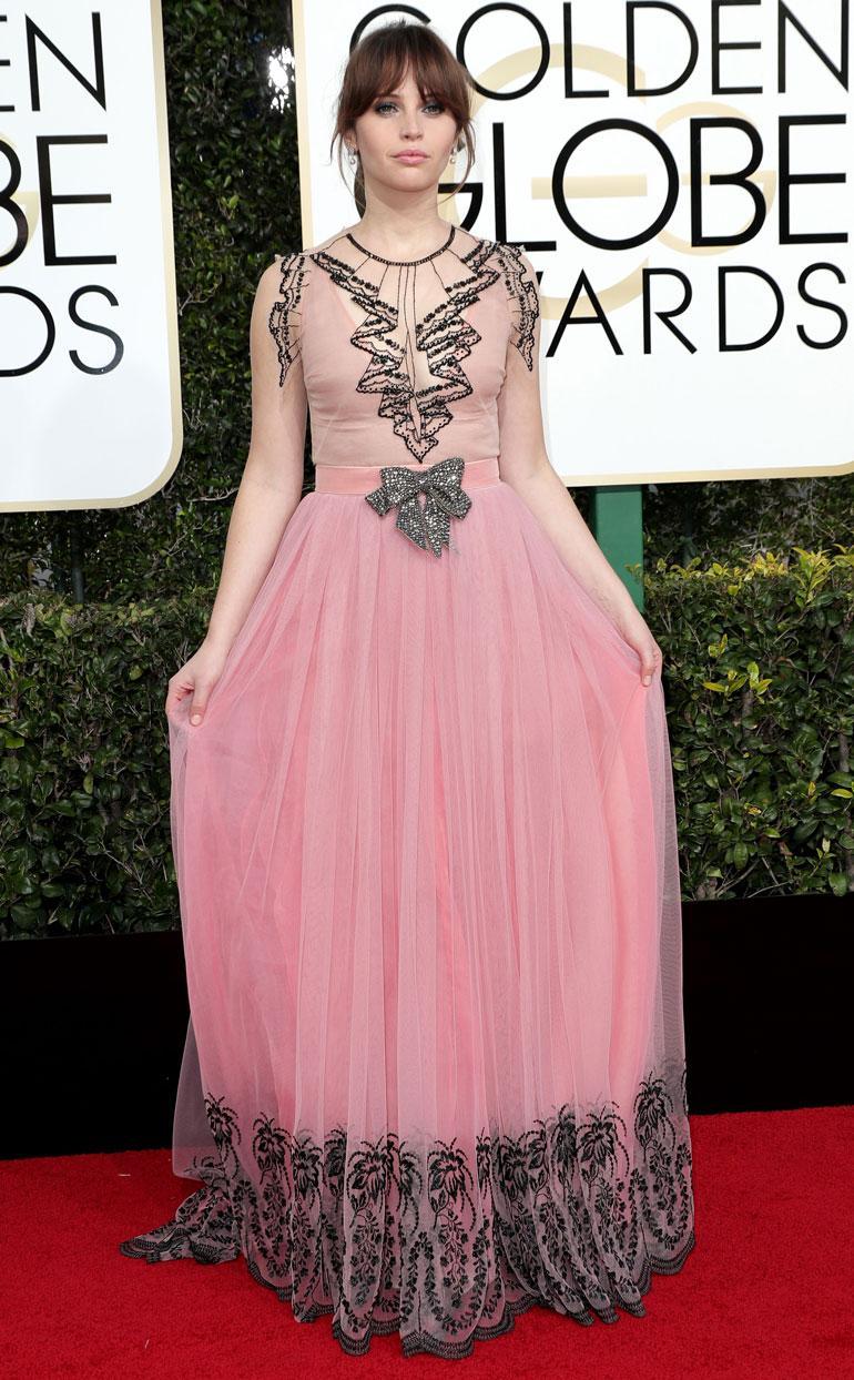 Felicity Jonesin Guccin juhlapuku oli turhan tätimäinen sirolle näyttelijälle.