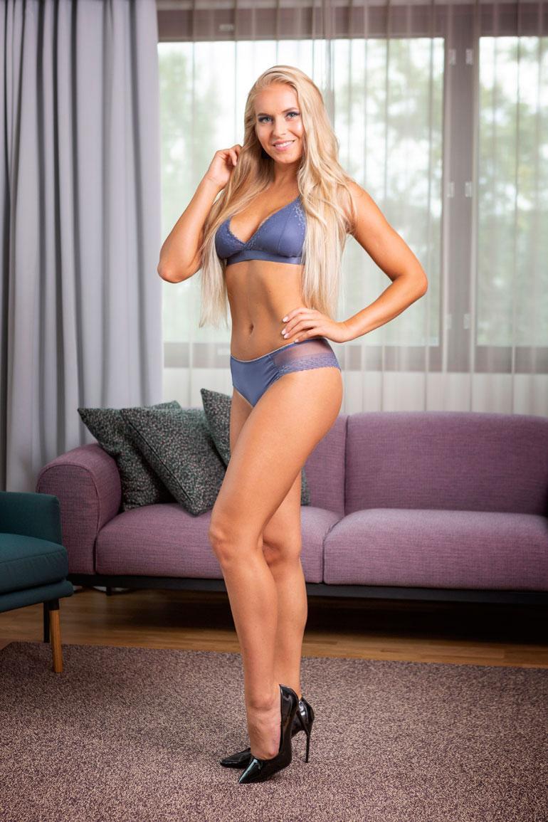 Alina Voronkova, Helsinki, 23 v. 170 cm, 58kg 86-65-96