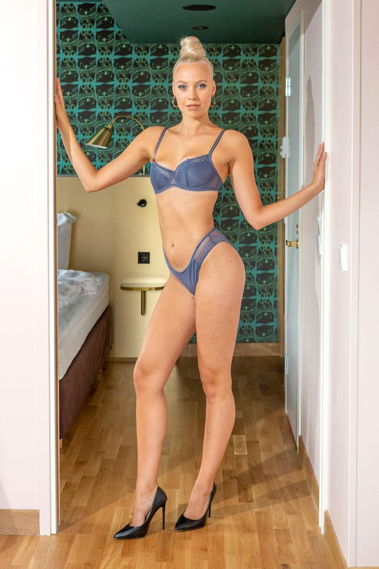Jenny Lappalainen, Helsinki, 23 v. 179 cm, 62 kg 89-67-97