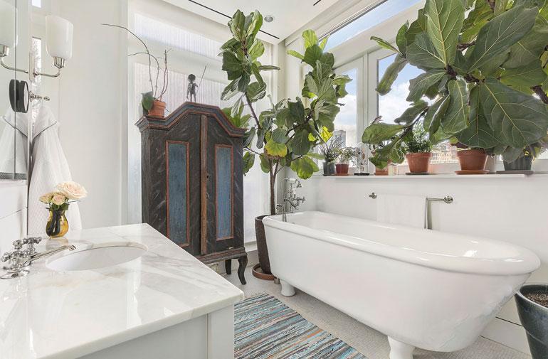 Meryl on luonut kylpyhuoneeseen kodikkaan tunnelman.