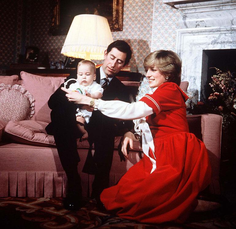 Charlesin ja Dianan esikoisen, prinssi Williamin syntymä lähensi hetkeksi avioparia.