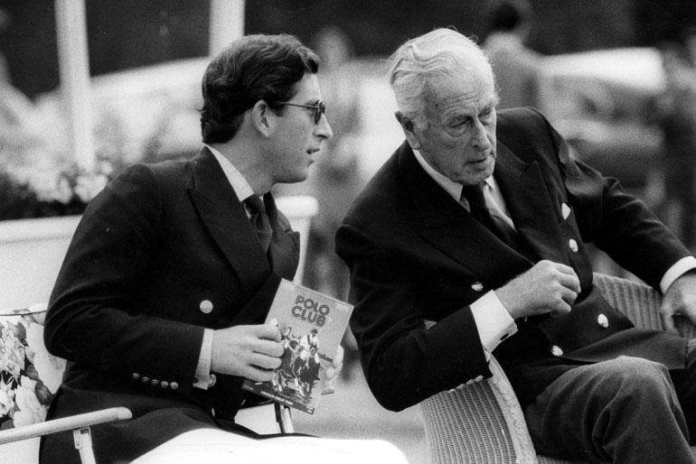 Charlesin tärkein tukija oli hänen isänsä, prinssi Philipin eno Louis Mountbatten. Kun Mountbatten murhattiin vuonna 1979, oli Charles murheen murtama.