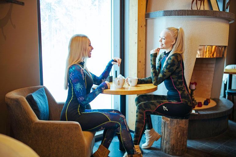 Alina ja Jenny majoittuivat Vuokatin Aateli -hotellissa.
