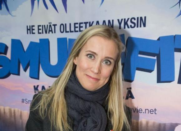 Salkkari-tähti Nora Rinne ei anna kouluikäisten lastensa katsoa Salkkareita – tässä syy! | Seiska