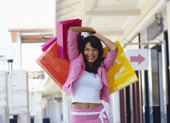 Shoppailu on naisten mieleen.