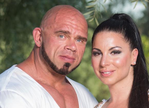 Bull Mentula ja Maru-rakas naimisiin: ökyhäät Kreikassa!   Seiska