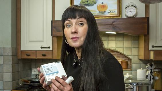 Lääkäri määräsi Saija Varjukselle lääkekannabista.