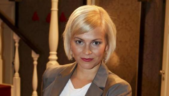 Näyttelijä Kirsi Ståhlberg Salkkareiden kulisseissa