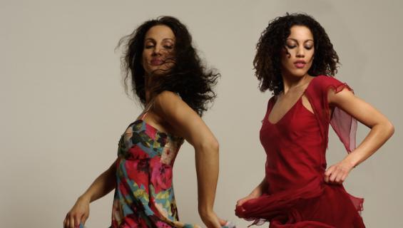 Naisten tanssitaidot ovat kiinni lantioista.