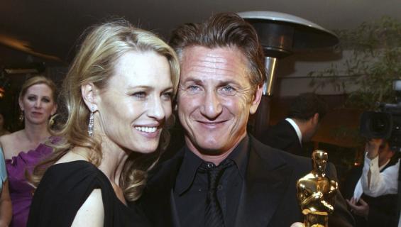Sean Penn ja Robin Wright ovat kesän aikana liikkuneet julkisestikin yhdessä.