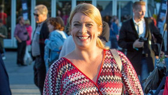 Uutisankkuri Kirsi Alm-Siira kolarissa! Ajoi miehensä öky
