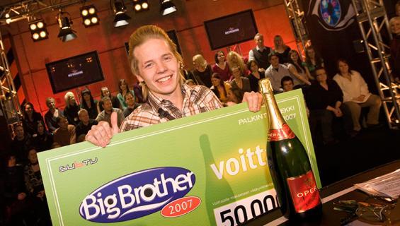Sauli Koskinen voitti Big Brother -kilpailun vuonna 2007