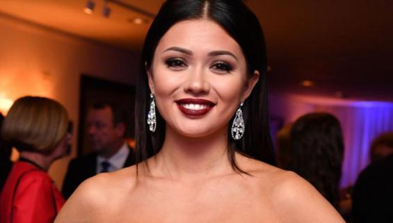 Shirly Karvinen Miss Suomi -finaalissa 2017.
