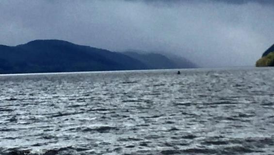 Näkyykö tässä kuvassa Loch Nessin hirviö?
