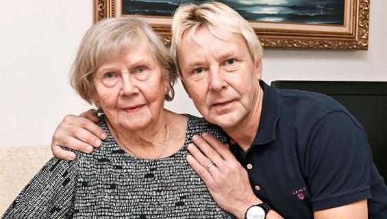 Matti Nykänen ja Vieno-äiti.