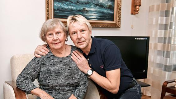 Matti Nykänen ja äiti.