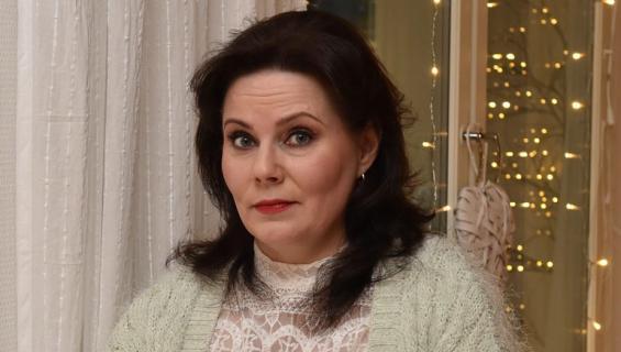 Nina Mikkonen ei ehtinyt ajoissa sairaalaan.