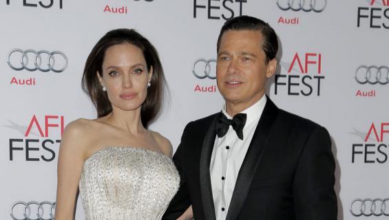 Angelina Jolie tapailee uutta miestä.