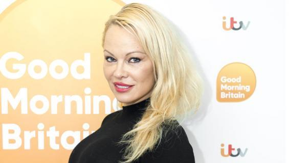 Pamela Anderson avautuu parisuhteestaan.