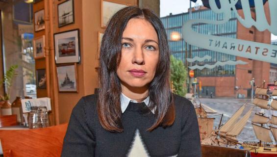 Oksana Chaiko vaatii Jere Karalahdelta elatusapua.