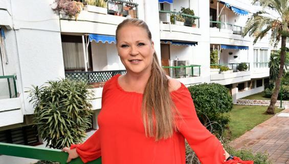 Johanna Karjunen asuu Espanjassa.