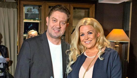 Oskari Katajisto ja Sanna Vaahti menivät uudelleen kihloihin.