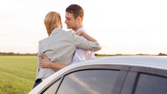 Vaimo epäili miestä pettämisestä.