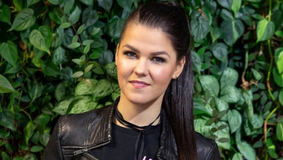 Saara Aalto esiintyi Lissabonista käsin X Factor -ohjelmassa.