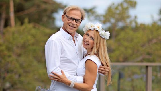 Toivo Sukarin Nadja-rakkaan sormus on 20 000 euron arvoinen.