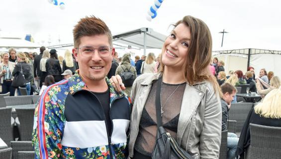 Jari Peltola ja Sanna Pikkarainen paljastivat omat tv-suosikkinsa.