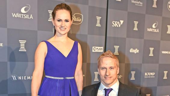 Leo-Pekka Tähti ja Sandra-vaimo nähtiin Porissa.