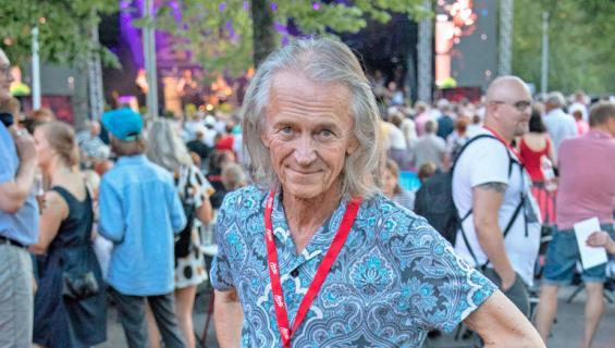 Folke West tekee kesäisin lyhyitä visiittejä Suomeen.