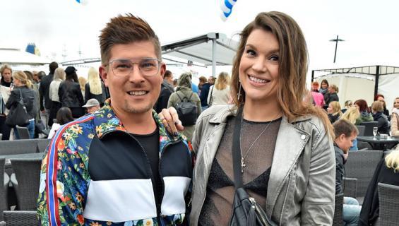 Jari ja Sanna tähdittävät Sohvaperunat-sarjaa.