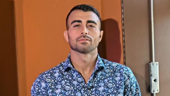 Makwan Amirkhani kommentoi Facebookissa vessatappelua.