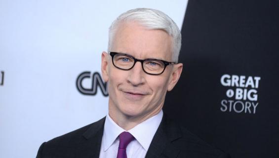 Anderson Cooper lumoutui Helsingin yöstä.