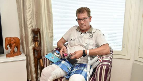 Jari Holmberg sai vakavat vammat räjähtäneestä akusta.