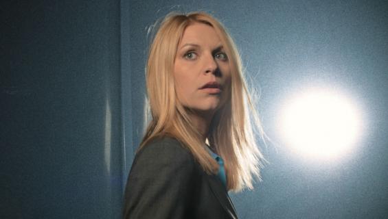 Carrie uhraa mielenterveytensä Isänmaan puolesta -sarjassa.