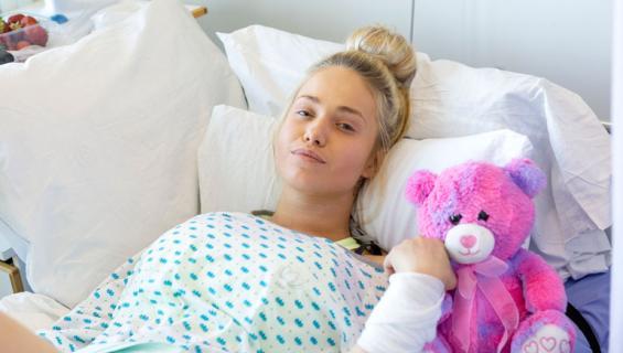 Janita Lukkarinen kertoo syöpähoidoistaan.