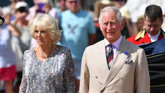 Camilla on prinssi Charlesin toinen vaimo.