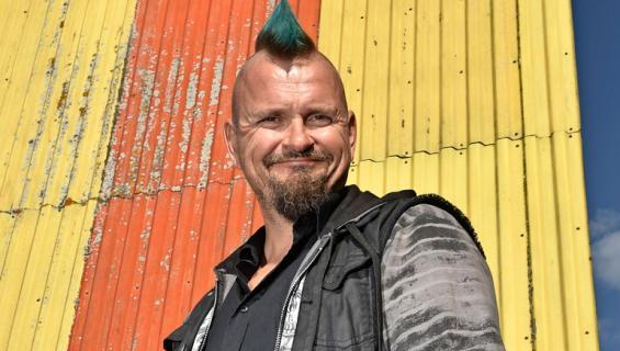 Vesku Jokinen löysi nuoren rakkaan.