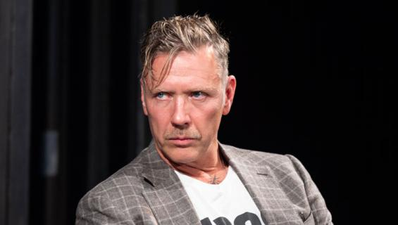 Mikael Persbrandt halusi päästä Gunvald Larssonin roolista lopullisesti eroon 2014.