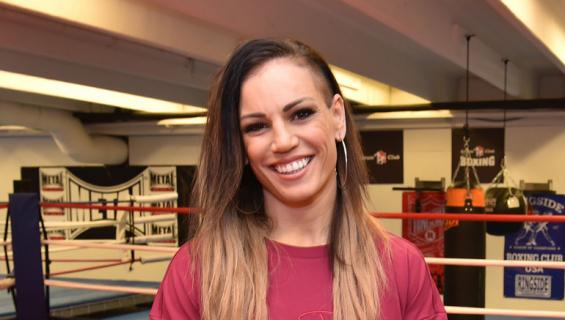 Eva Wahlström sparrasi Mira Potkosen kanssa.