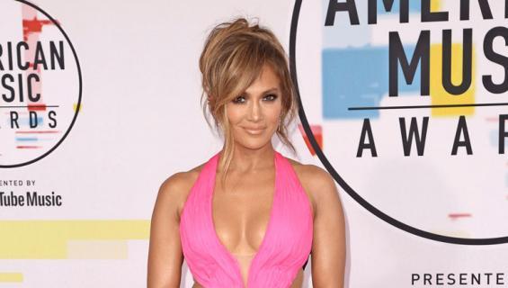 Jennifer Lopez myy kotinsa.