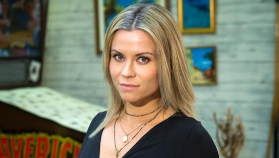 Tiia Elg muutti rakkaansa kanssa Jokelaan.