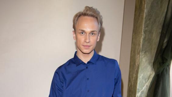Christoffer Strandberg hurmasi edellisellä Putous-kaudella Bardi de Voro -sketsihahmollaan.