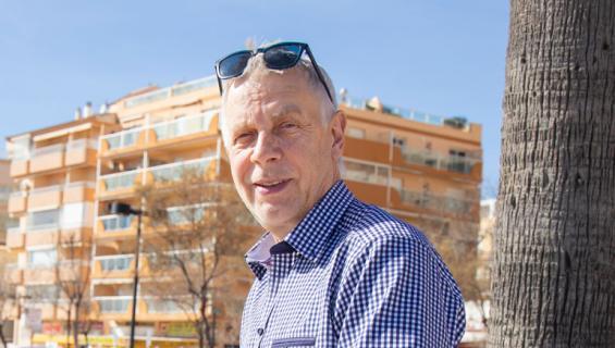 KAri Vepsä on hevoskuiskaaja.