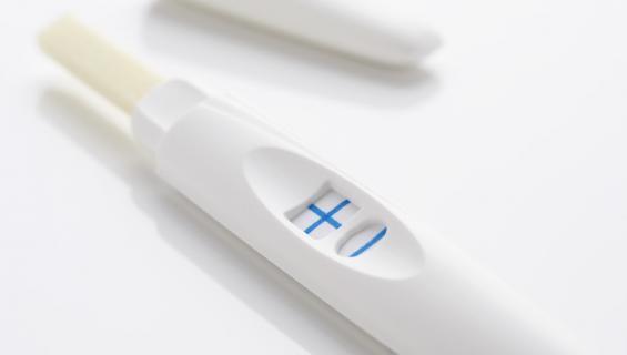 Teini erehtyi luulemaan kuumemittaria raskaustestiksi.