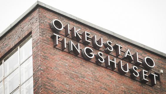Helsingin käräjäoikeus tuomitsi irakilaistaustaisen 19-vuotiaan miehen vankeuteen törkeistä seksuaalirikoksista.