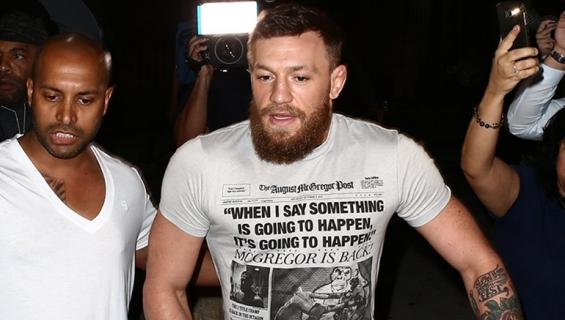 McGregor pääsi putkasta salamavalojen räiskeessä!