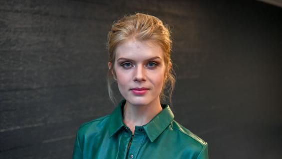 Alina Tomnikov bongattiin Helsingin Kalliosta.